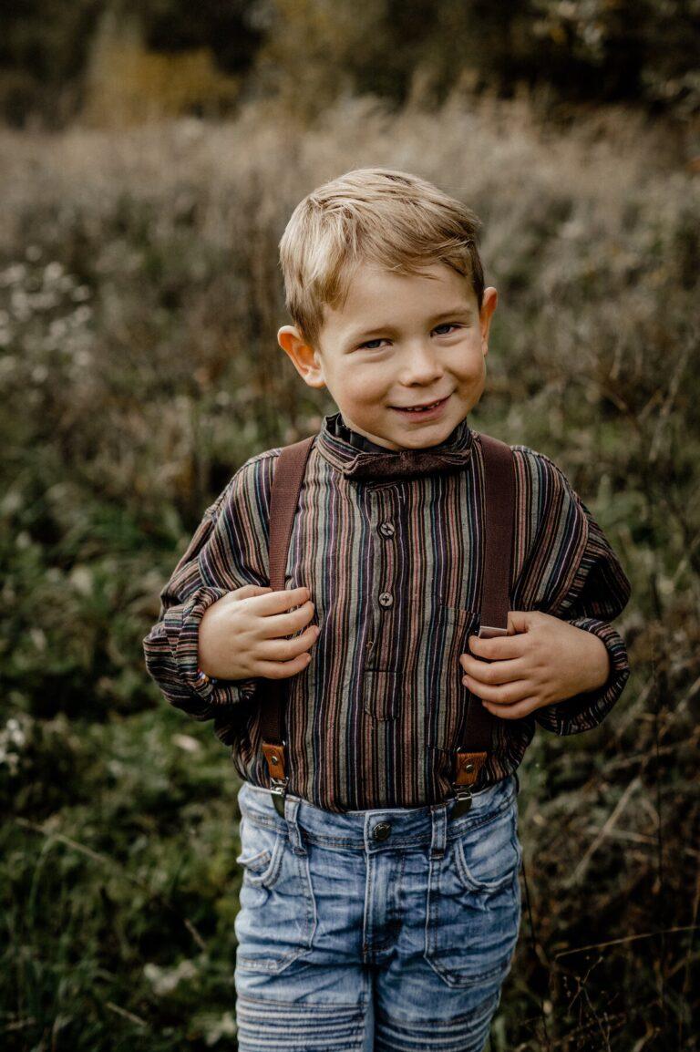Braune Fliege und Braune Hosenträger für Kinder passen super zusammen