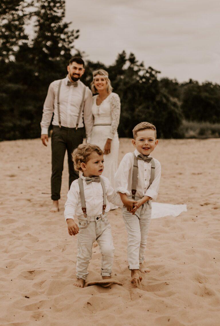 Familienoutfit Hosenträger hellgrau