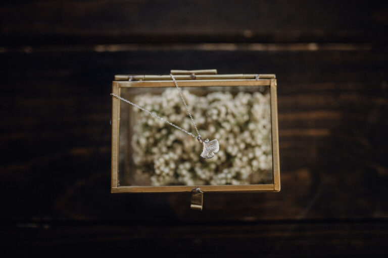 Ginkgo Blatt Kette für Vintage oder Boho Hochzeit in silber