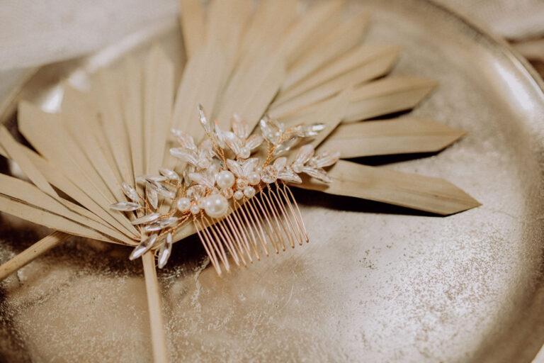 Haarkamm Braut Blatt in Gold