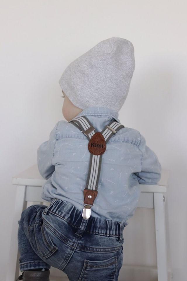 Kinderhosenträger Jungen Tragebild Grau Weiss Hinten