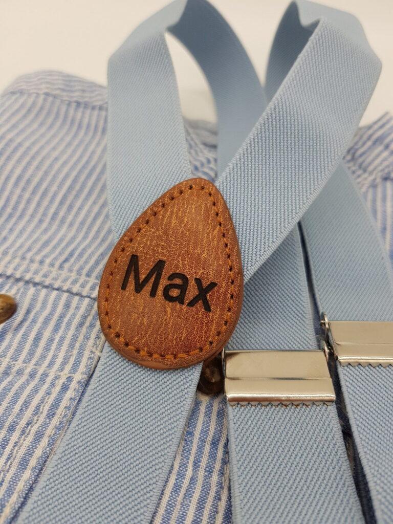 Kinderhosentraeger Max hellblau nah
