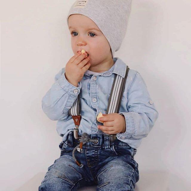 Kinderhosenträger Tragebild Grau Weiss Popcorn