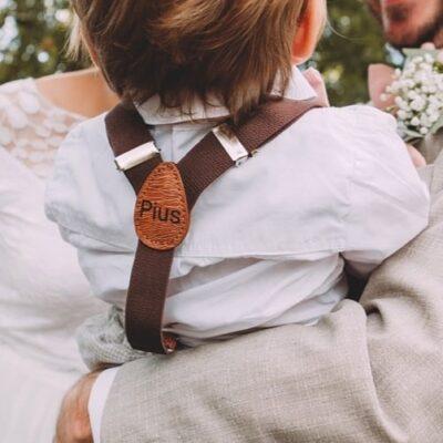 Kinderhosentraeger braun Tragebild Hochzeit