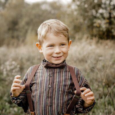 Kinderhosenträger in braun mit passender Fliege Retro Look für Kinder