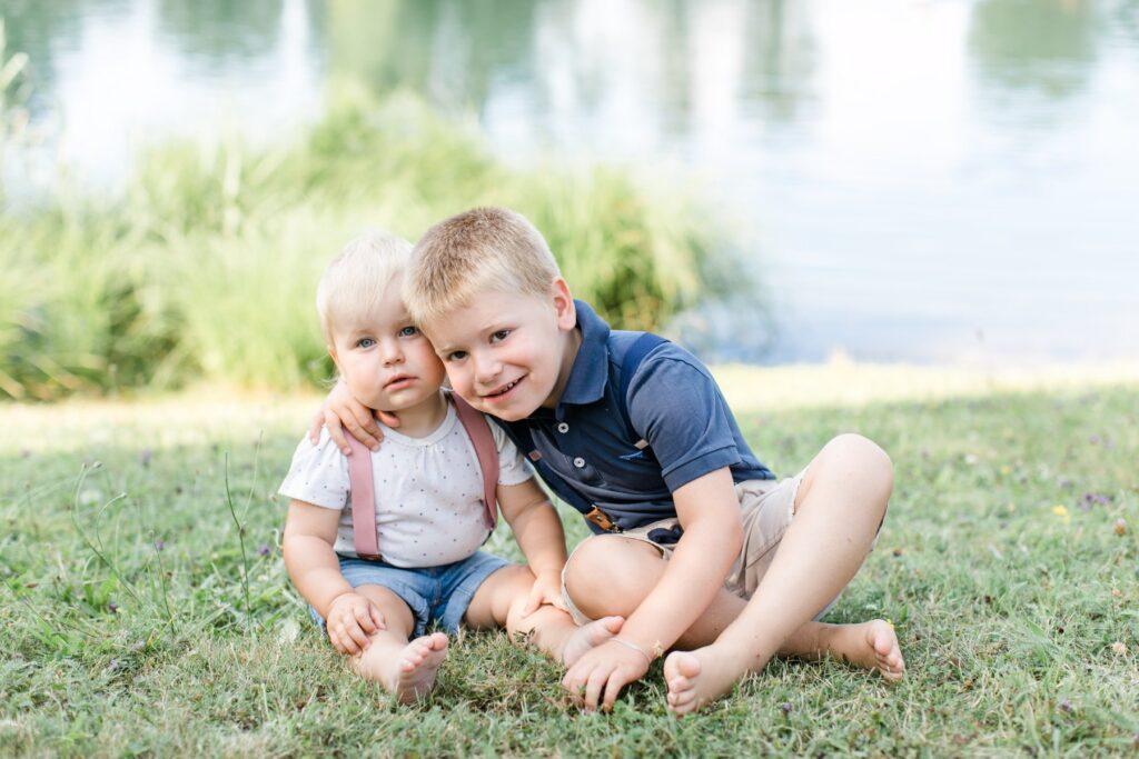 Kinderhosenträger rosa dunkelblau Gruppenbild
