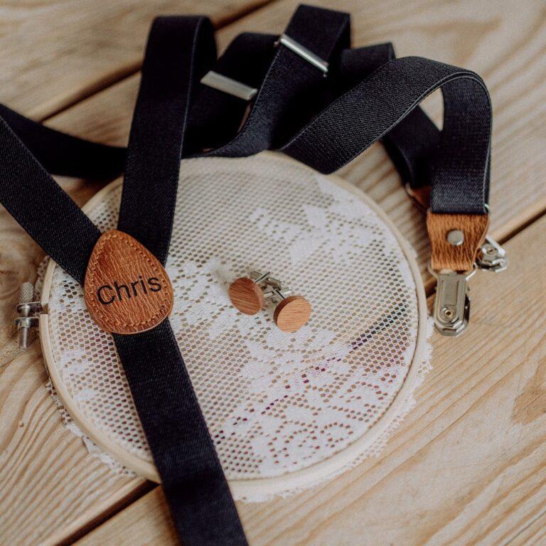 Manschettenknöpfe aus Holz personalisiert