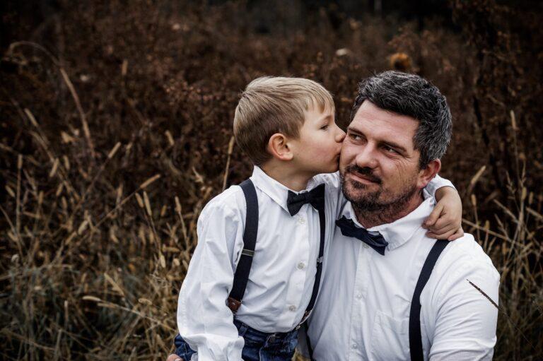 Optimal für Hochzeiten: Set Vater Sohn Hosenträger & Fliegen in schwarz