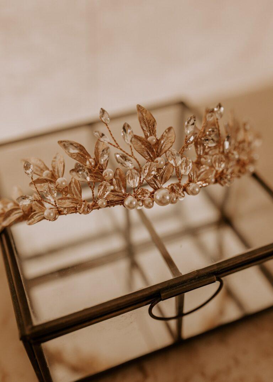 Perlen Blätter Haarkrone Braut Gold