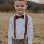 Set: Kinderhosenträger & Kinderfliege in braun – inklusive Gravur