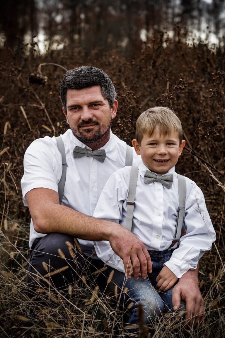 Vater Sohn Partnerlook Hellgrau Hosenträger Fliege