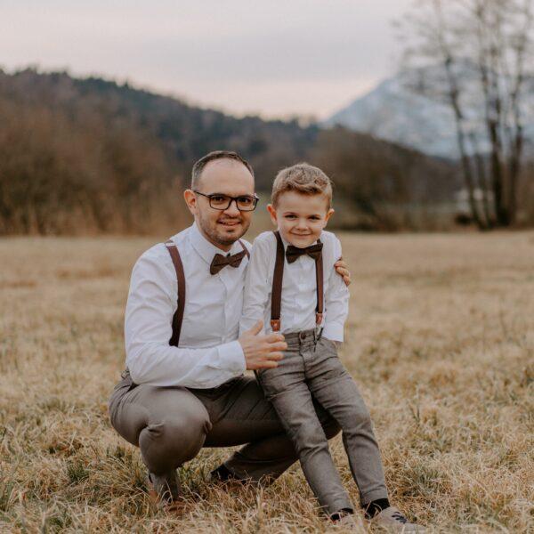 festlicher Partnerlook Vater Sohn Fliege Hosenträger braun
