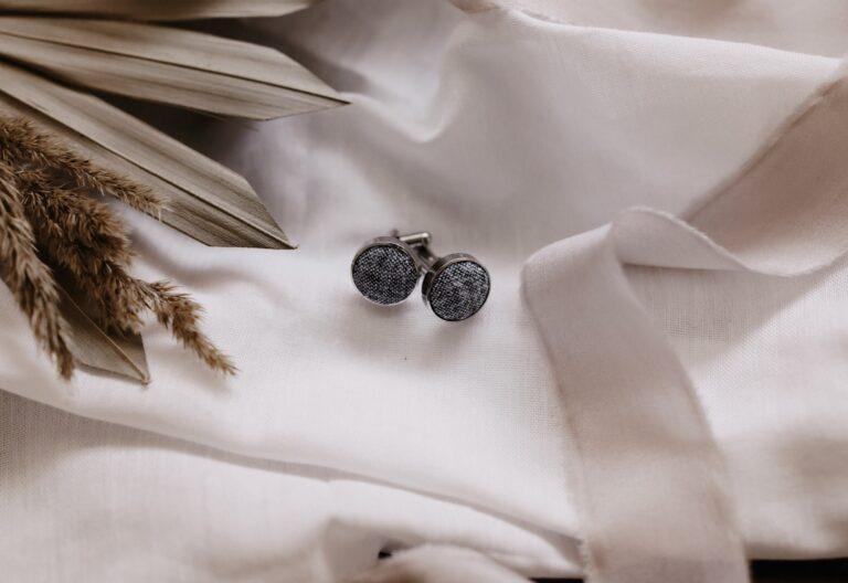 graue Manschettenknöpfe